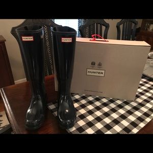 Navy Hunter Boots